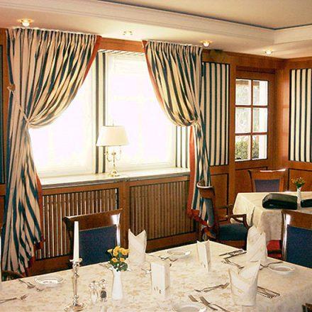 Wandbespannung Kaminzimmer Hotel Landwehrbräu